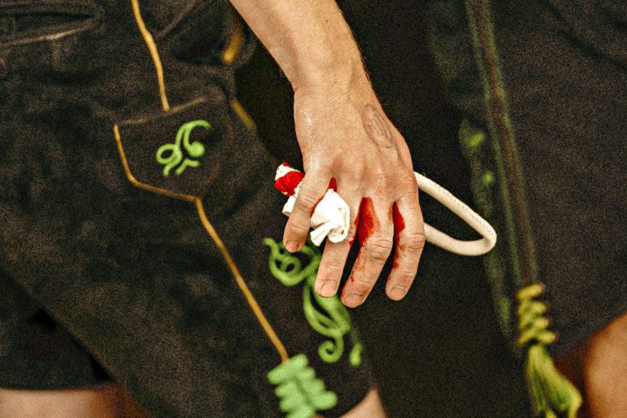 Blutende Finger eines Fingerhaklers