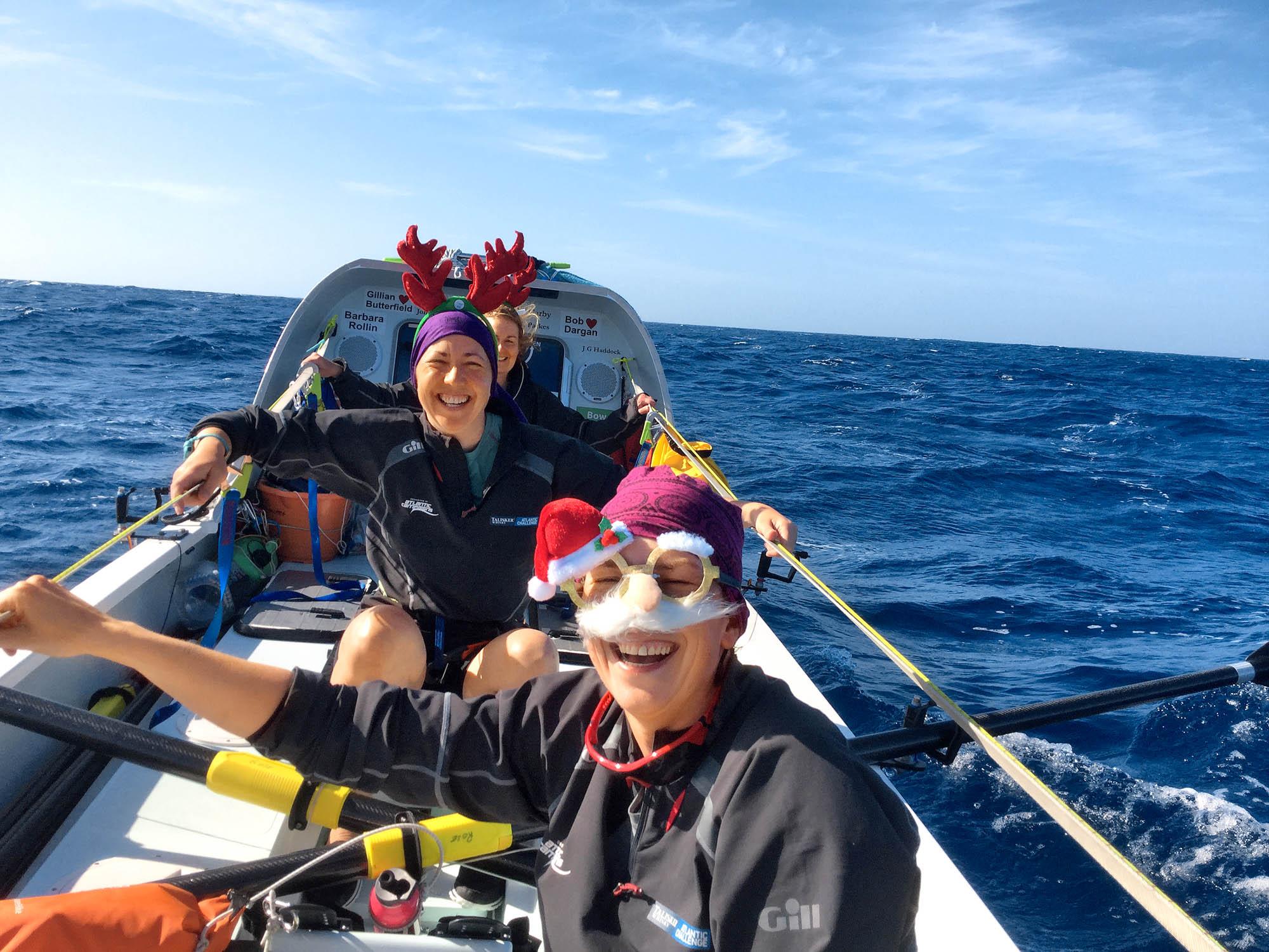Weihnachtsfeier auf hoher See im Ruderboot