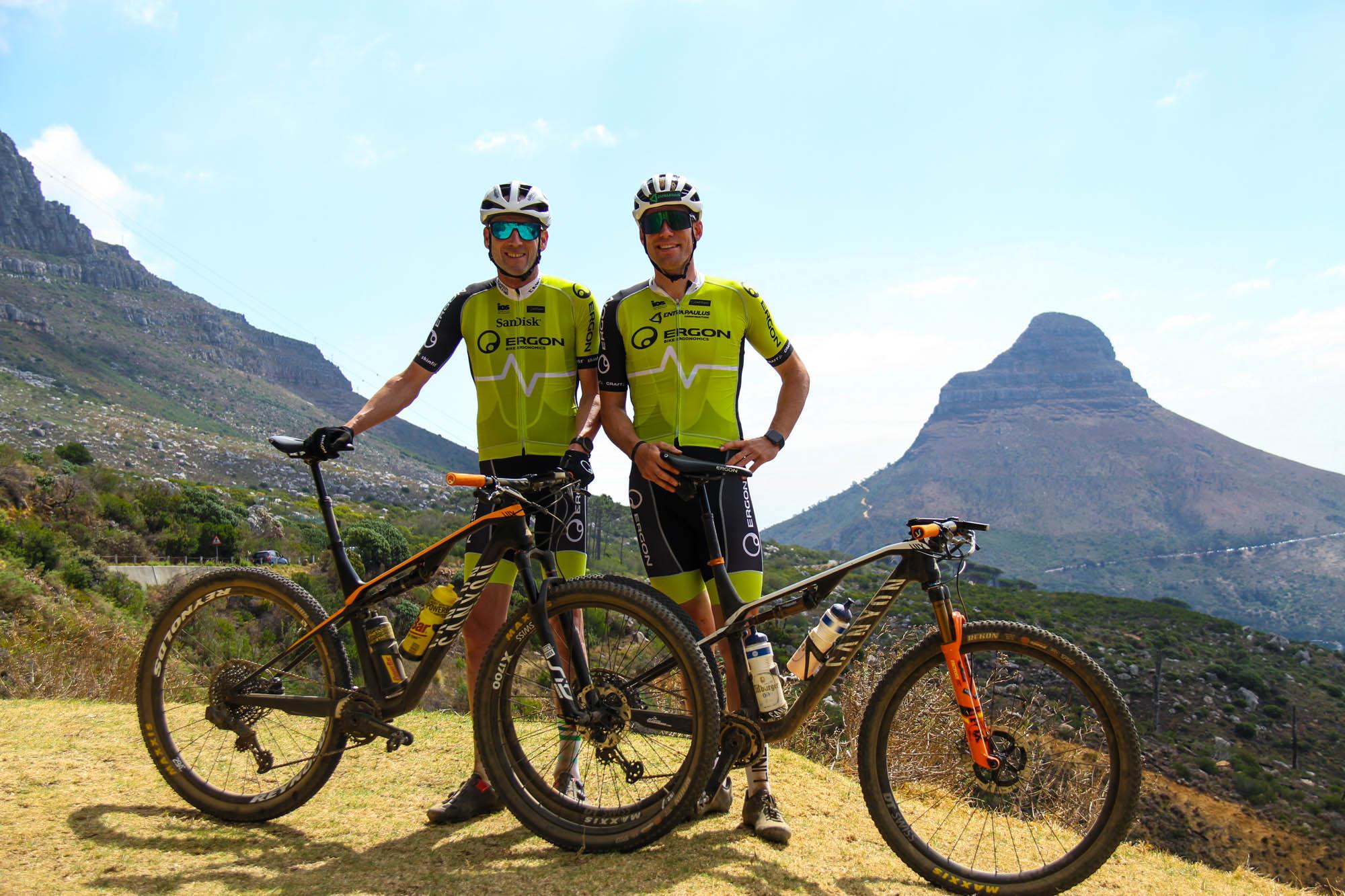 Die Mountainbiker Elmar Sprink und Peter Schermann bei der Vorbereitung zum Cape-Epic-Rennen