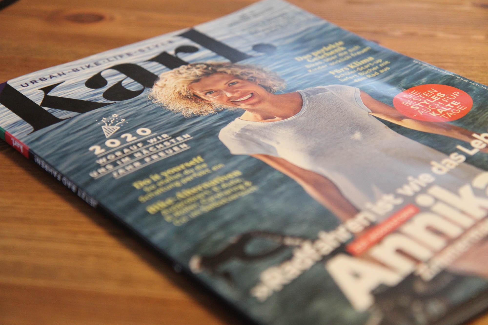 Das Titelbild des Magazins Karl mit ZDF-Moderatorin Annika Zimmermann
