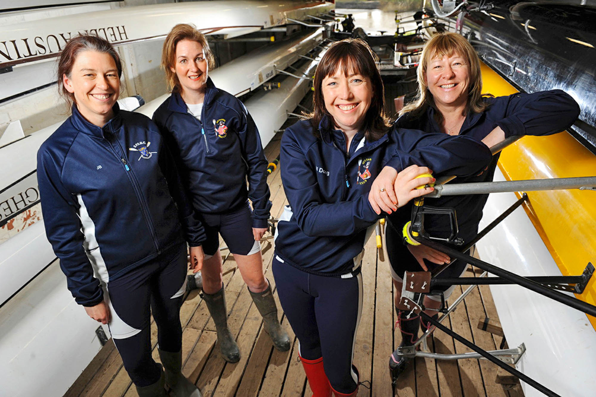 Frances Davies, Helen Butters, Niki Doeg und Janette Benaddi vor dem Start der Talisker Atlantic Challenge
