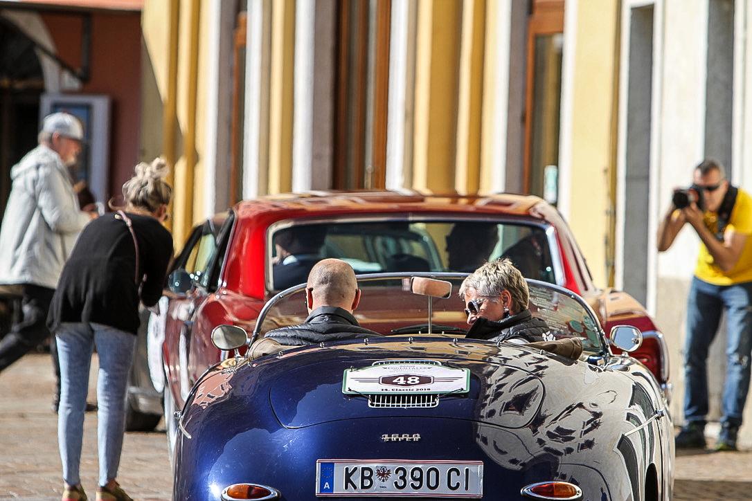 Ein Porsche Speedster von hinten
