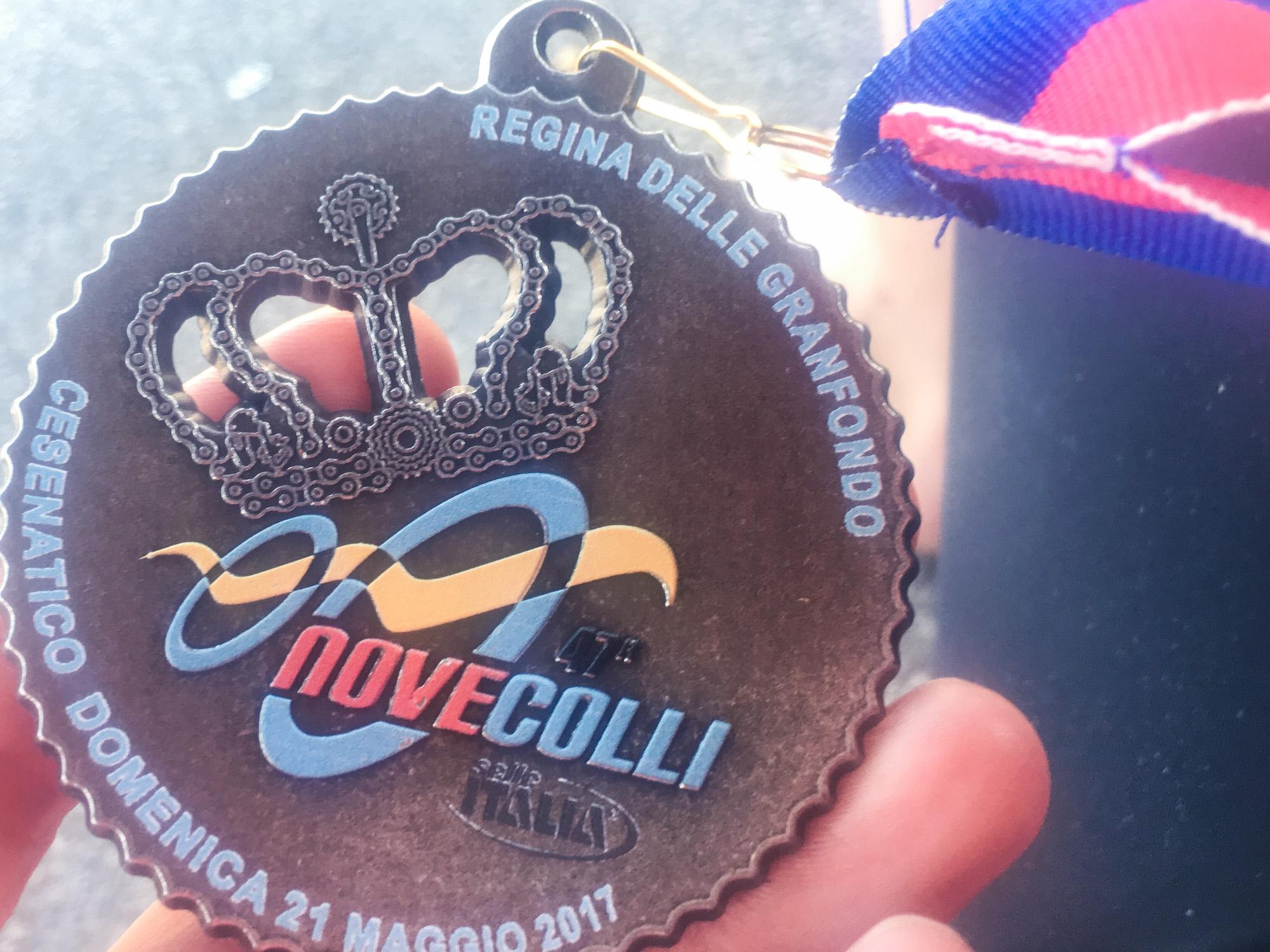Die Medaille des Granfondo Nove Colli in Cesenatico 2017