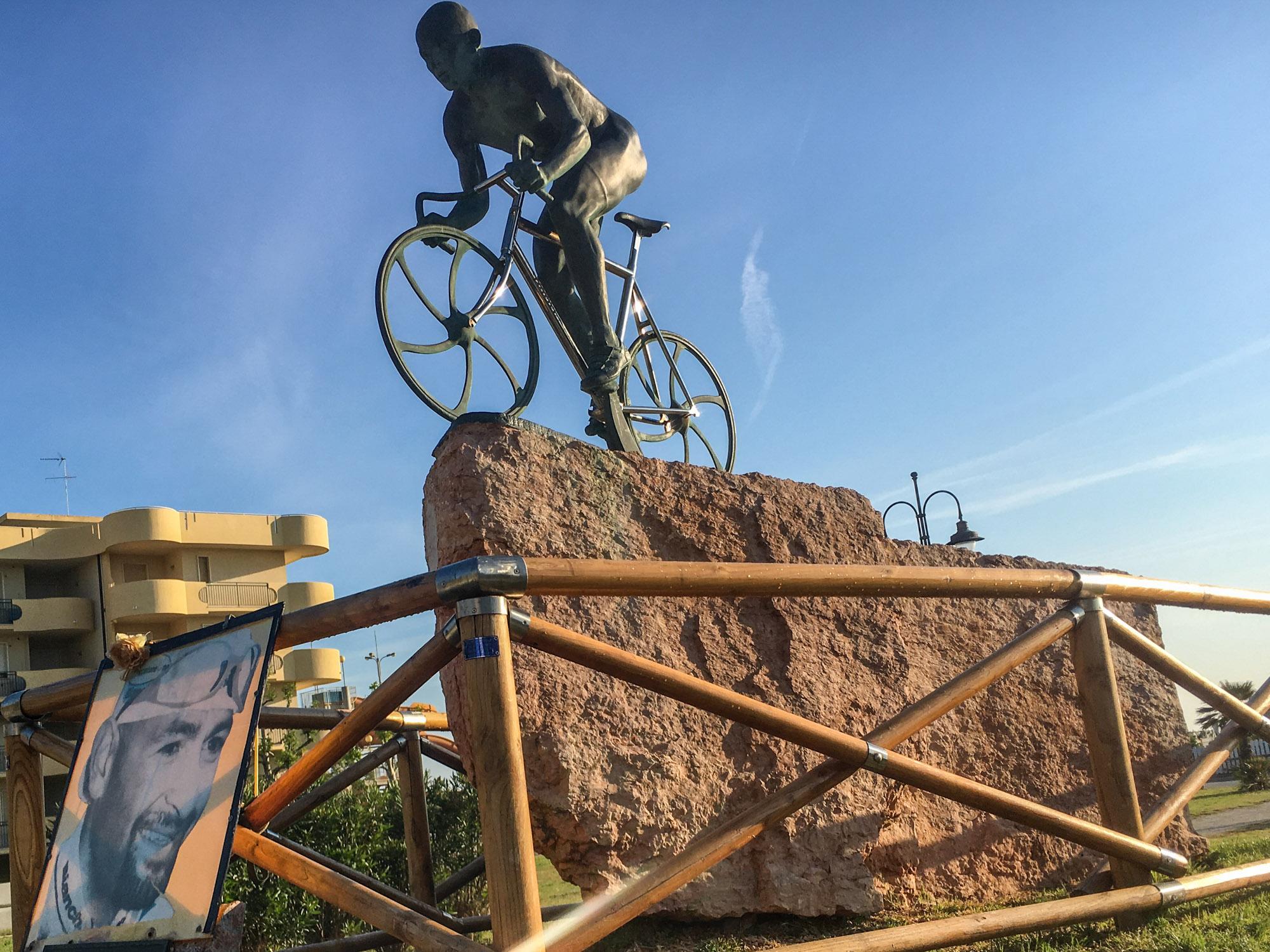 Das Denkmal von Marco Pantani.