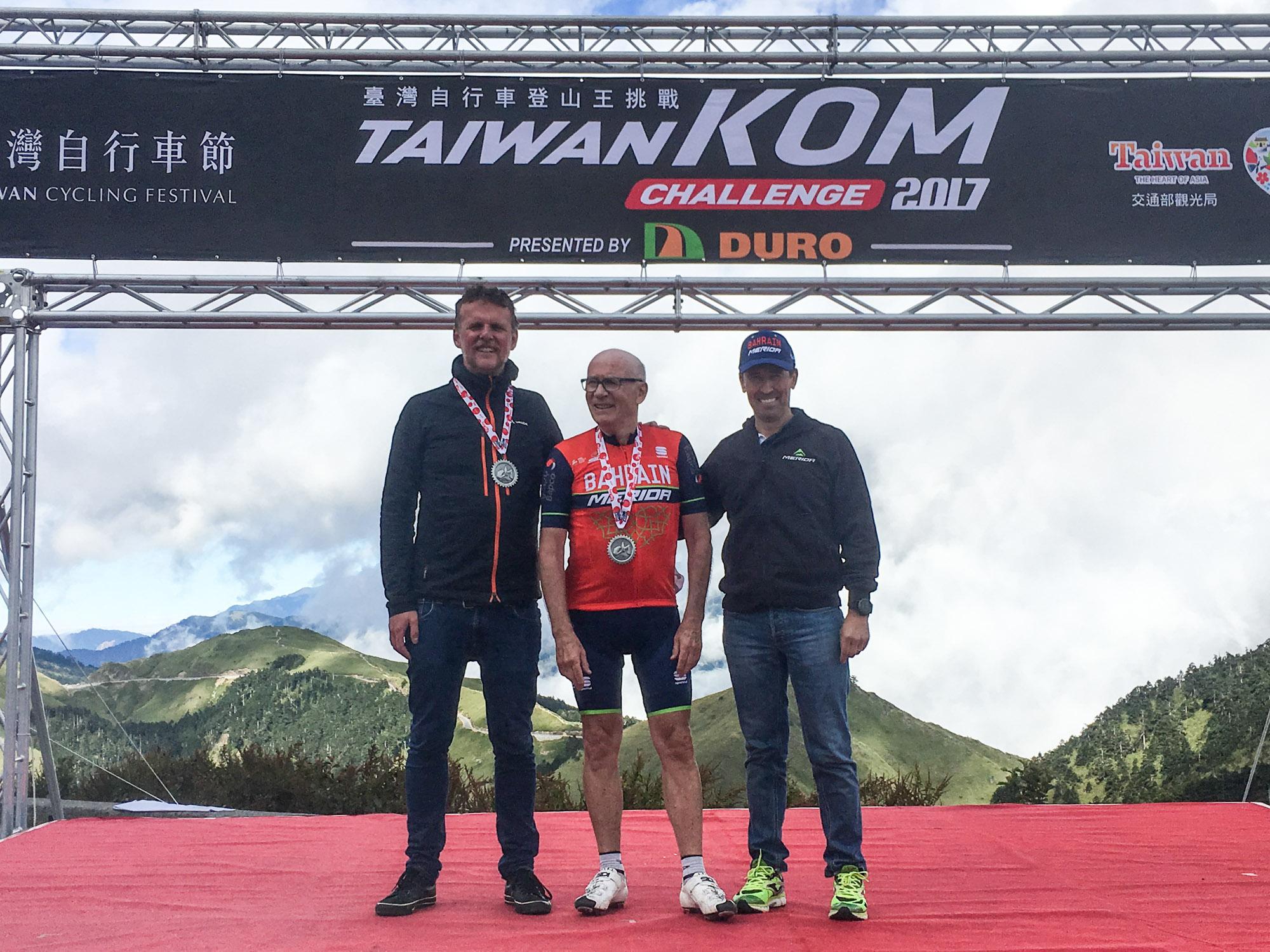 Wolgang Renner, Brent Copeland und ich im Ziel auf 3257 Meter