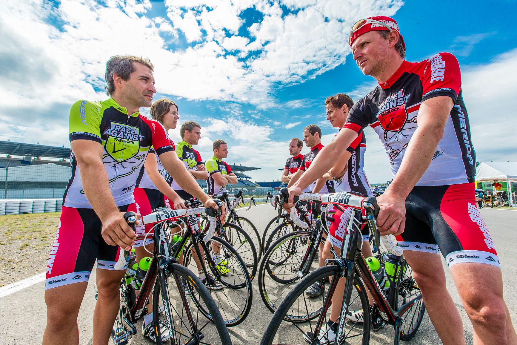 Timo Glock und ich sind die Kapitäne von zwei Viererteams, die bei Rad am Ring 24 Stunden lang gegeneinander antreten.