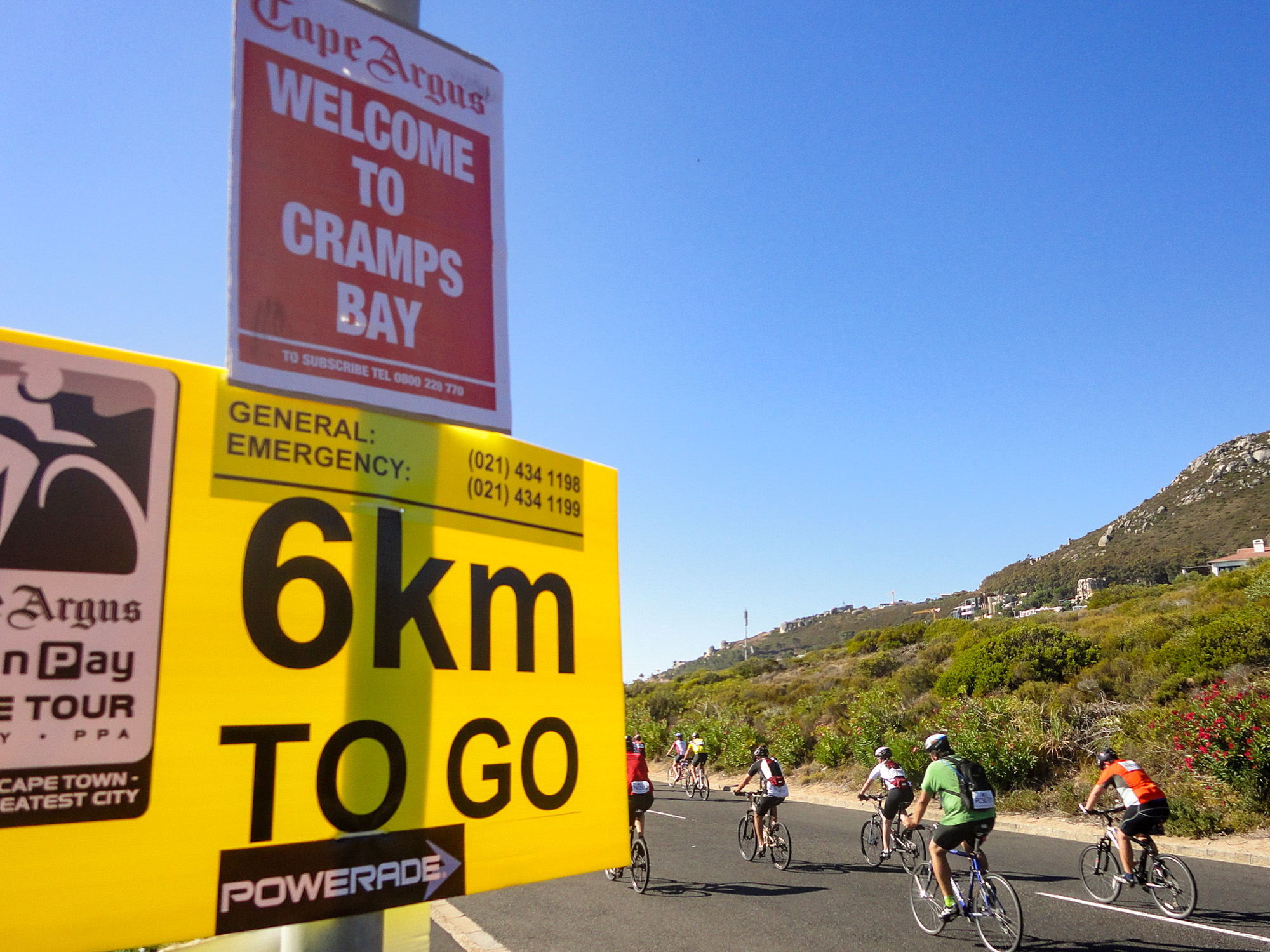 Beim Cape Argus: Ein Schild zeigt, dass es noch sechs Kilometer bis ins Ziel sind